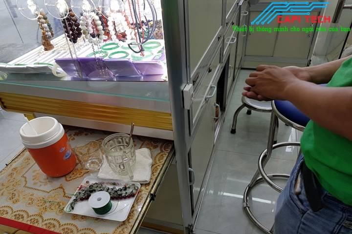 Lắp đặt thiết bị chống trộm hồng ngoại có remote cho tiệm vàng