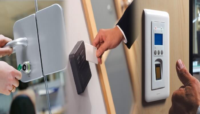 Áp dụng hệ thống chấm công bằng vân tay, thẻ từ