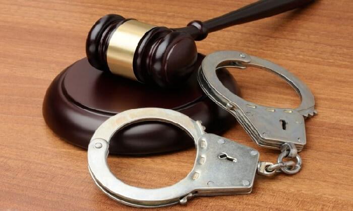 Quy định pháp luật về cướp tài sản và trộm cắp tài sản